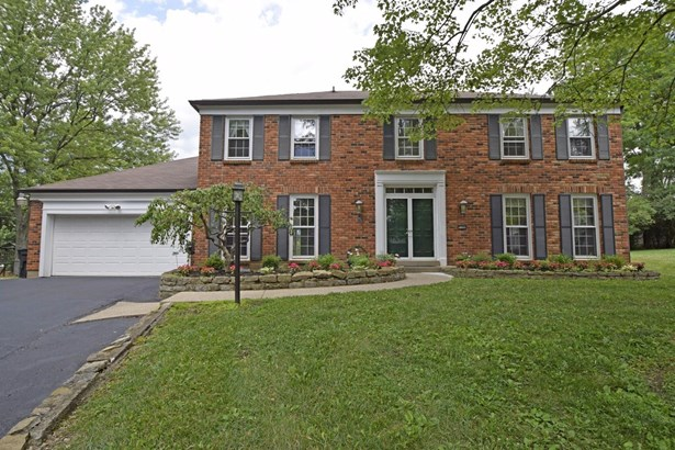 Single Family Residence, Colonial - Sycamore Twp, OH (photo 1)