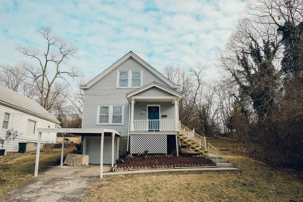 Single Family Residence, Traditional - Woodlawn, OH (photo 1)