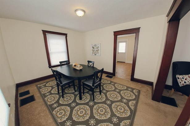 Single Family Residence, Traditional - Woodlawn, OH (photo 3)