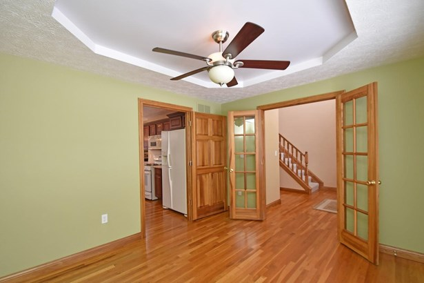 Single Family Residence, Traditional - Guilford, IN (photo 4)