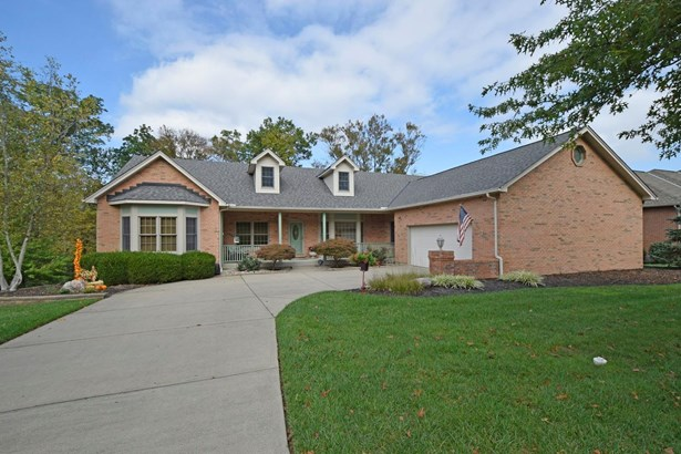 Transitional, Single Family Residence - Union Twp, OH (photo 1)