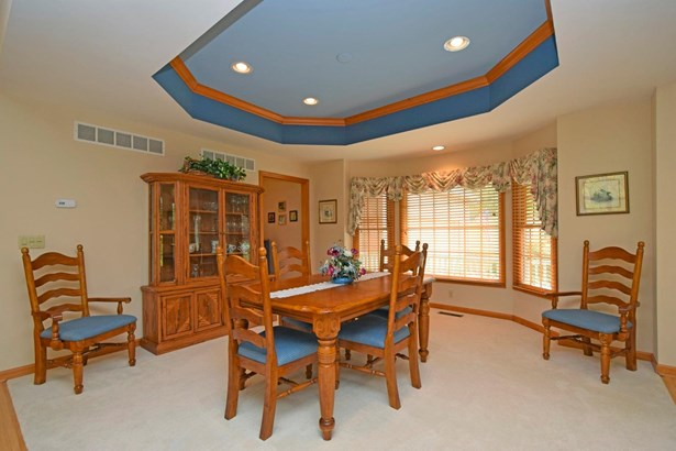 Transitional, Single Family Residence - Union Twp, OH (photo 3)