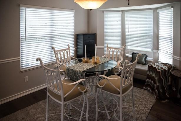 Transitional, Single Family Residence - Loveland, OH (photo 4)