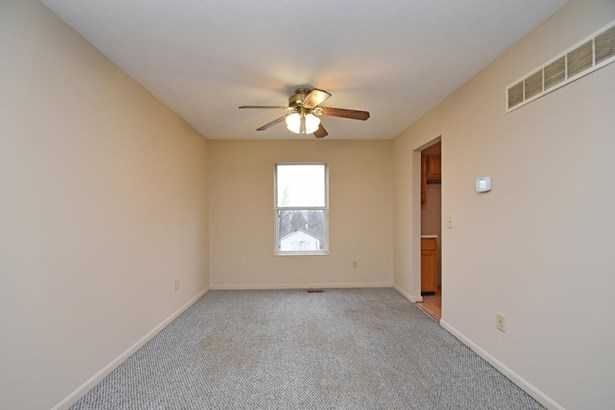 Single Family Residence, Traditional - Cleves, OH (photo 4)