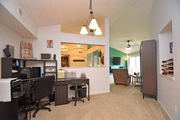 Condominium, Traditional - Milford, OH (photo 4)