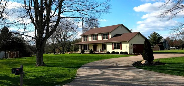 Single Family Residence, Traditional,Transitional - Clearcreek Twp., OH (photo 2)