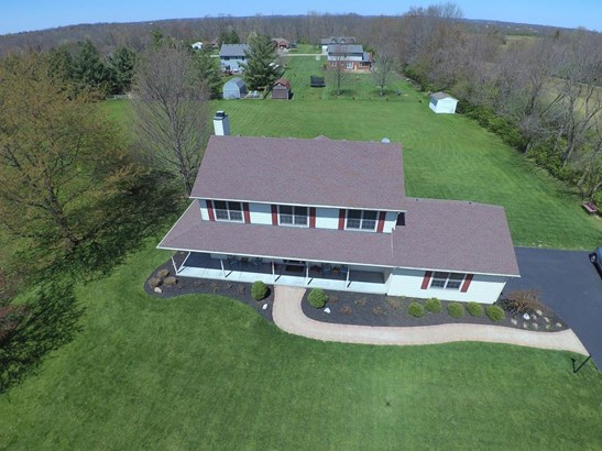 Single Family Residence, Traditional,Transitional - Clearcreek Twp., OH (photo 3)