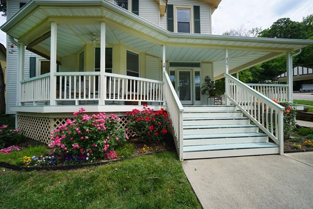 Single Family Residence, Victorian - Milford, OH (photo 2)
