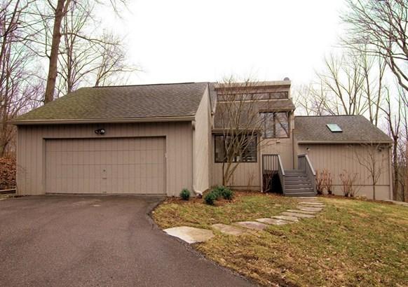 Single Family Residence, Contemporary/Modern - Pierce Twp, OH (photo 1)