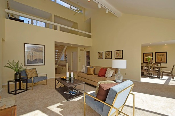 Single Family Residence, Contemporary/Modern - Pierce Twp, OH (photo 3)