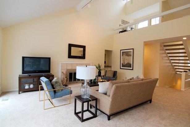 Single Family Residence, Contemporary/Modern - Pierce Twp, OH (photo 4)