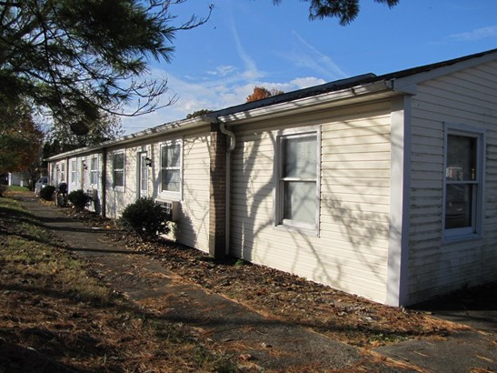 Apartment 5+ Units - Lynchburg, OH (photo 1)