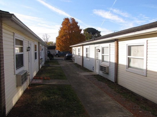 Apartment 5+ Units - Lynchburg, OH (photo 4)
