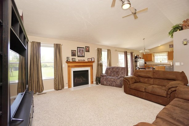 Single Family Residence, Traditional - Washington Twp, OH (photo 4)