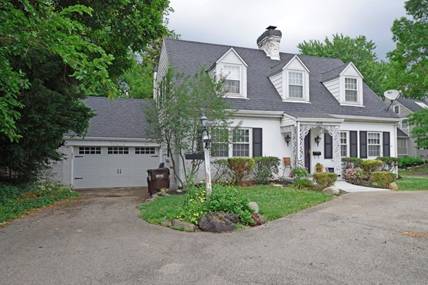 Cape Cod, Single Family Residence - Sycamore Twp, OH (photo 2)