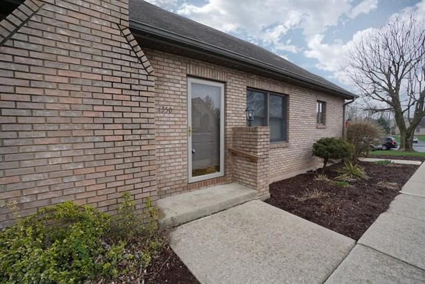 Condominium, Traditional - Wilmington, OH (photo 2)