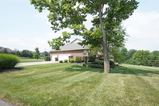 Transitional, Single Family Residence - Liberty Twp, OH (photo 2)