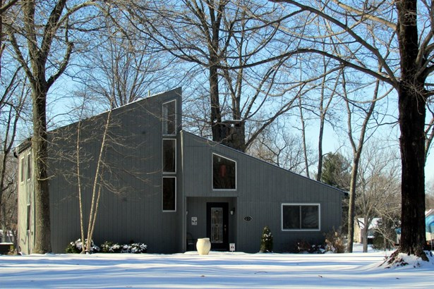 Single Family Residence, Contemporary - Perry Twp, OH (photo 1)