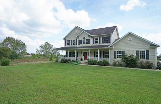 Single Family Residence, Traditional - West Elkton, OH (photo 1)