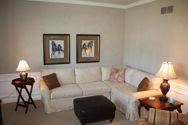 Transitional, Single Family Residence - South Lebanon, OH (photo 3)