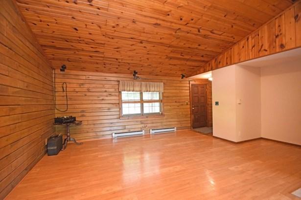 Single Family Residence, Log - Washington Twp, OH (photo 4)