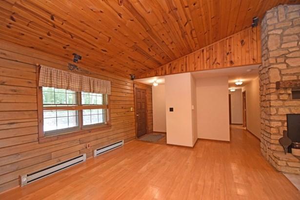 Single Family Residence, Log - Washington Twp, OH (photo 5)