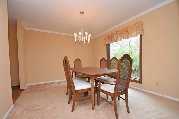 Transitional, Single Family Residence - Blue Ash, OH (photo 4)