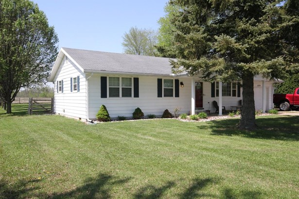 Single Family Residence, Ranch - Vernon Twp, OH (photo 2)