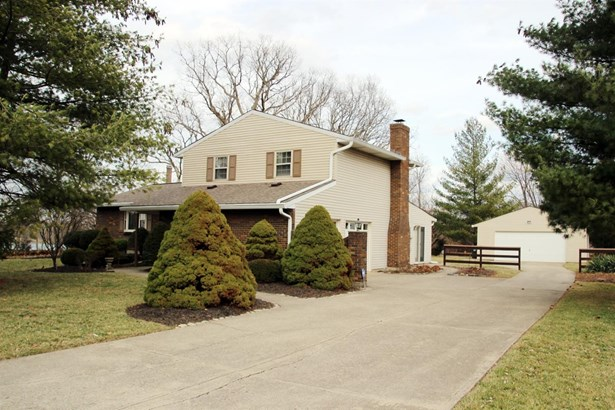 Single Family Residence, Traditional - Fairfield, OH (photo 1)