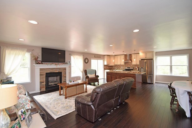 Single Family Residence, Ranch - Ohio Twp, OH (photo 3)