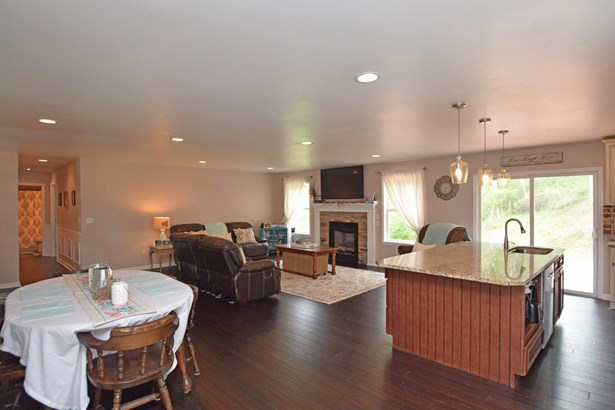 Single Family Residence, Ranch - Ohio Twp, OH (photo 5)