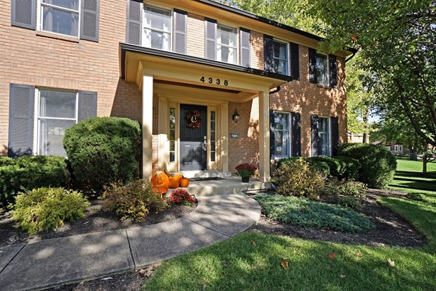Single Family Residence, Colonial - West Chester, OH (photo 2)