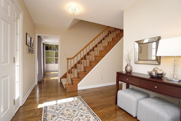 Single Family Residence, Colonial - West Chester, OH (photo 3)