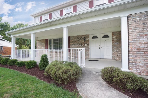 Single Family Residence, Traditional - Evendale, OH (photo 2)