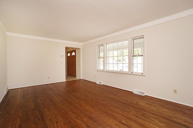 Single Family Residence, Traditional - Evendale, OH (photo 5)