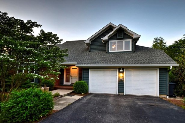 Single Family Residence, Contemporary/Modern,Transitional - Evendale, OH (photo 1)