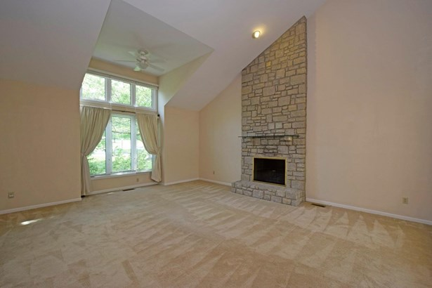 Single Family Residence, Contemporary/Modern,Transitional - Evendale, OH (photo 4)