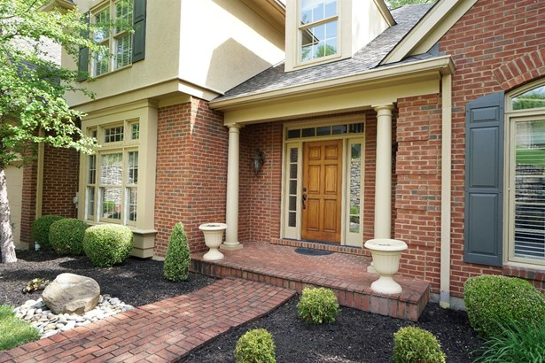 Transitional, Single Family Residence - Montgomery, OH (photo 2)