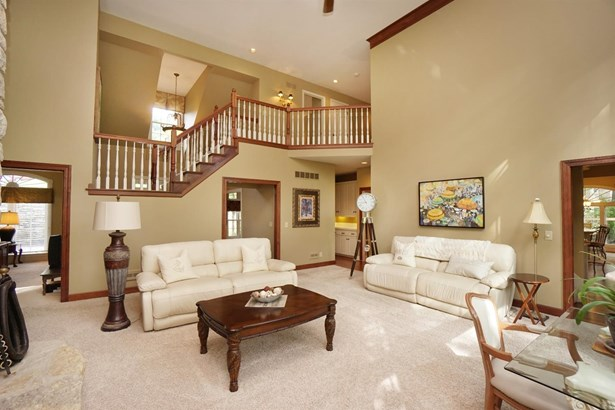 Transitional, Single Family Residence - Montgomery, OH (photo 5)