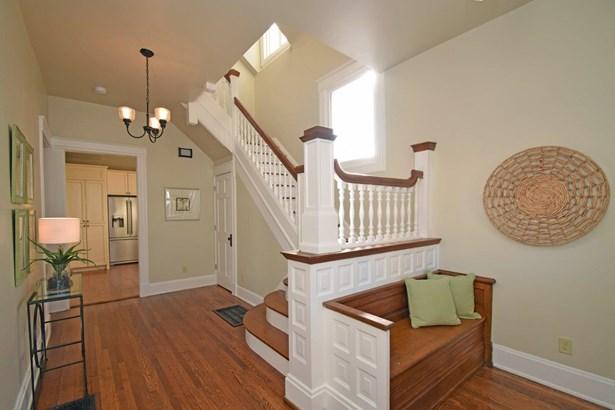 Single Family Residence, Transitional,Victorian - Cincinnati, OH (photo 2)