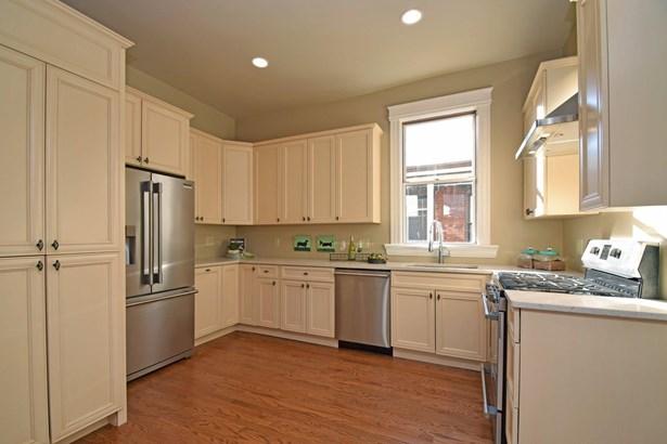Single Family Residence, Transitional,Victorian - Cincinnati, OH (photo 5)