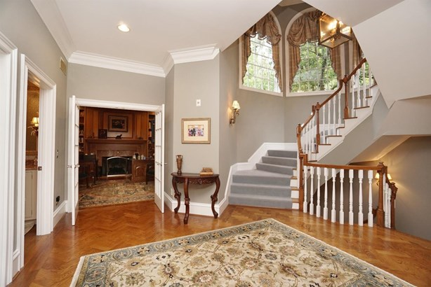 Transitional, Single Family Residence - Indian Hill, OH (photo 4)