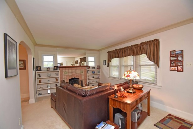 Single Family Residence, Traditional - Springfield Twp., OH (photo 5)