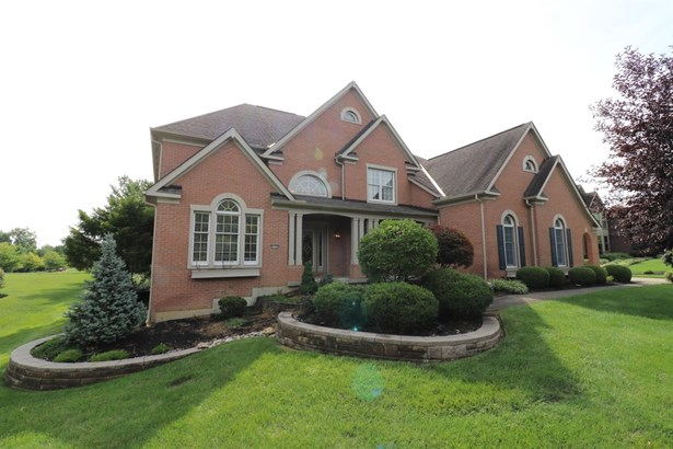 Transitional, Single Family Residence - Hamilton Twp, OH