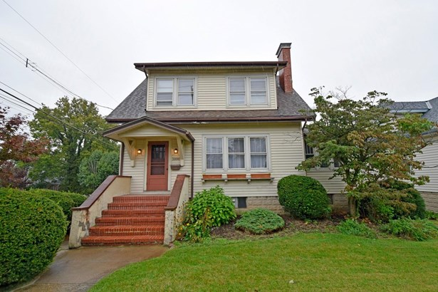 Single Family Residence, Traditional - Cheviot, OH (photo 1)