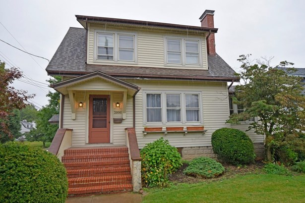 Single Family Residence, Traditional - Cheviot, OH (photo 2)