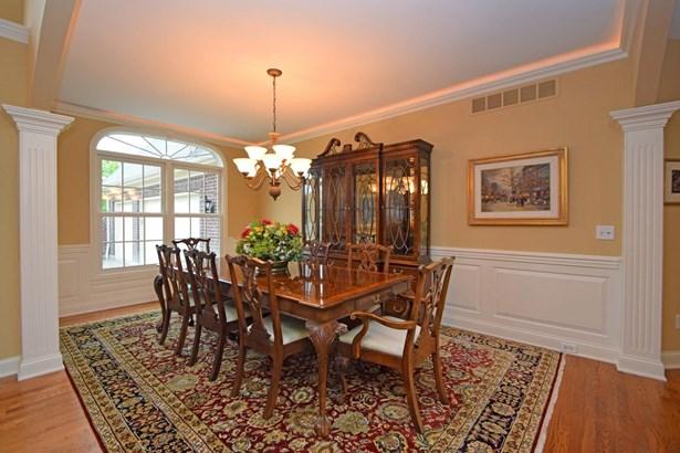 Transitional, Single Family Residence - Madeira, OH (photo 5)