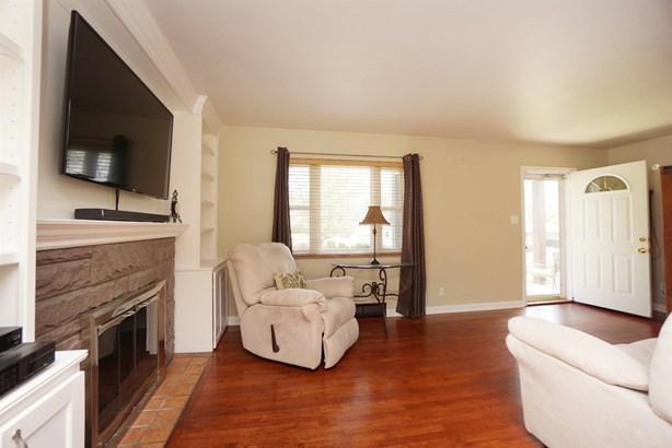 Cape Cod, Single Family Residence - Springdale, OH (photo 3)
