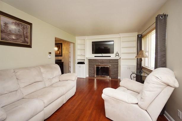Cape Cod, Single Family Residence - Springdale, OH (photo 4)