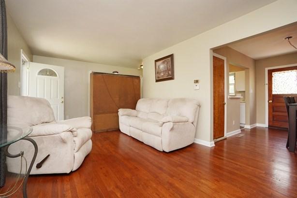 Cape Cod, Single Family Residence - Springdale, OH (photo 5)
